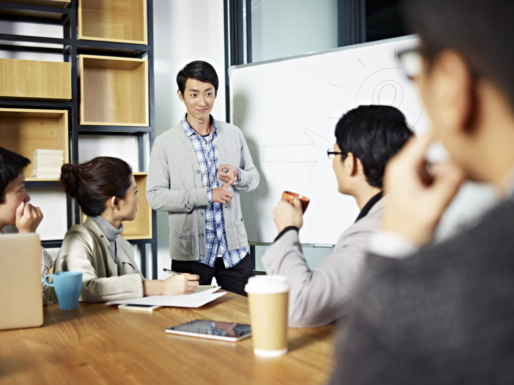 9 reasons hire facilitator group meeting
